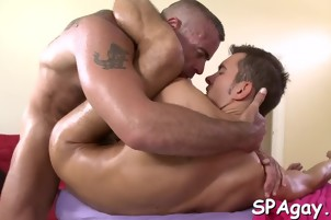 Sexy hunk gets his tight anal canal explored by masseur